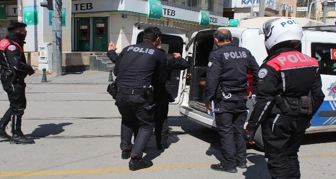 Antalya'da polis kuş uçurtmadı
