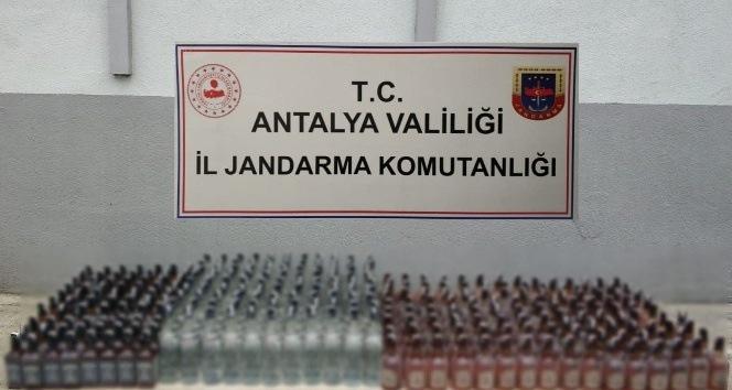 Antalya'da 300 litre kaçak içki ele geçirildi
