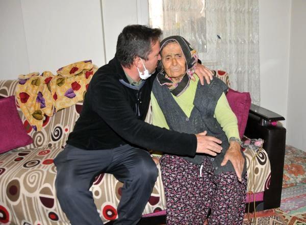 Evden kovulduğunu iddia eden 91'lik ninenin oğlu: Başımızın üzerinde yeri var