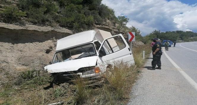 Antalya'da kamyonet kazası: 1 yaralı