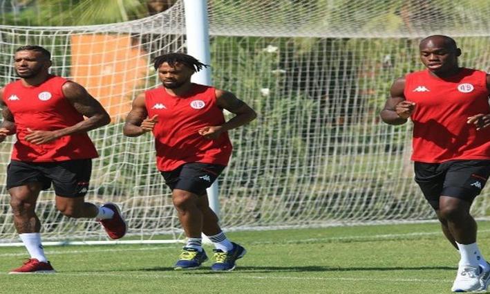 Antalyaspor, turnuvaya 8 eksikle gidiyor