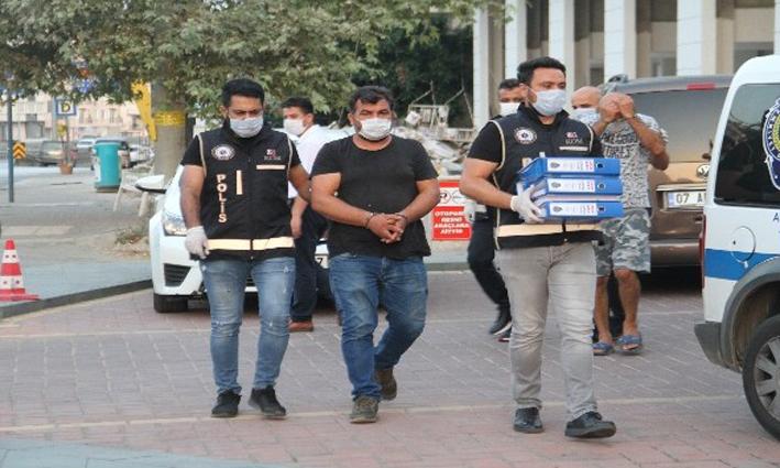 İstanbul ve Kocaeli'nden 32 araç çalan 2 şüpheli Antalya'da yakalandı