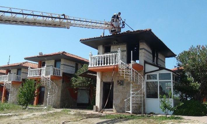Serik'te villa yangını korkuttu