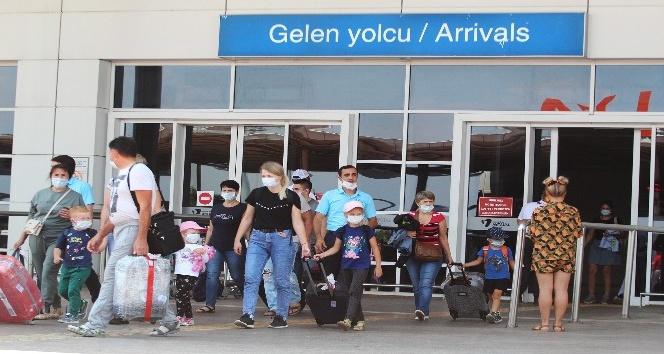 Antalya, turizmdeki rakiplerini hayal kırıklığına uğrattı