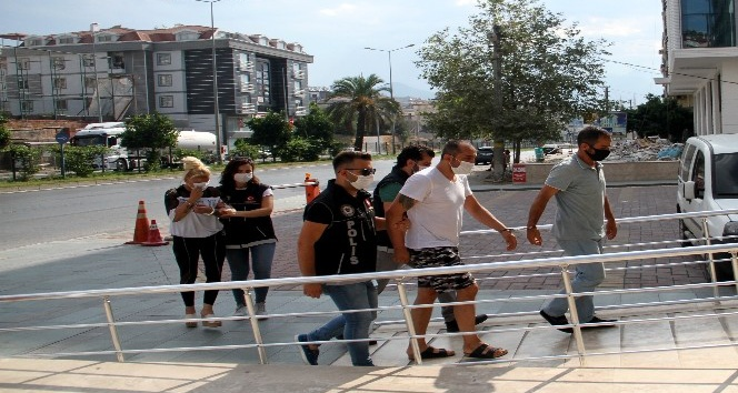 Antalya'da uyuşturucu operasyonu: 1'i kadın 6 şüpheliye gözaltı