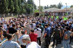 Antalya'da servisçilerin 'C plaka' eyleminde arbede