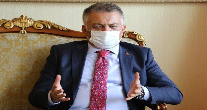 """Vali Yazıcı: """"3-5 binle başlayan sayılarımız şu anda günlük 40 binlerde"""""""
