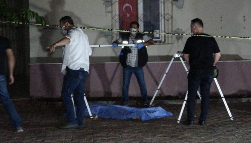 Antalya'da 5'inci kattan düşen kadın hayatını kaybetti