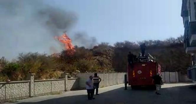Temizlik için yaktığı ateşi söndürmek isterken ağır yaralandı