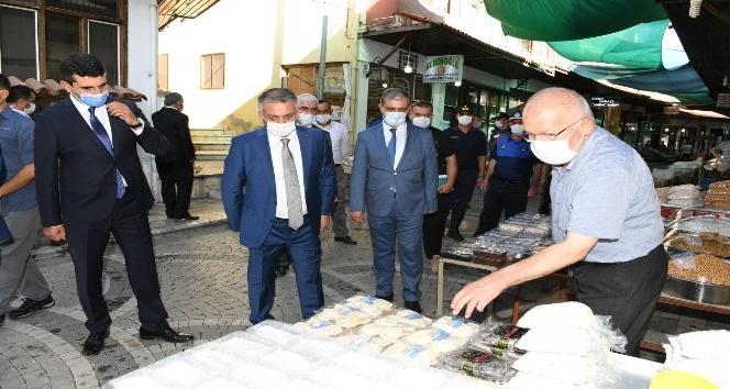 Vali Yazıcı'dan Elmalı ilçesinde Korona virüs denetimi