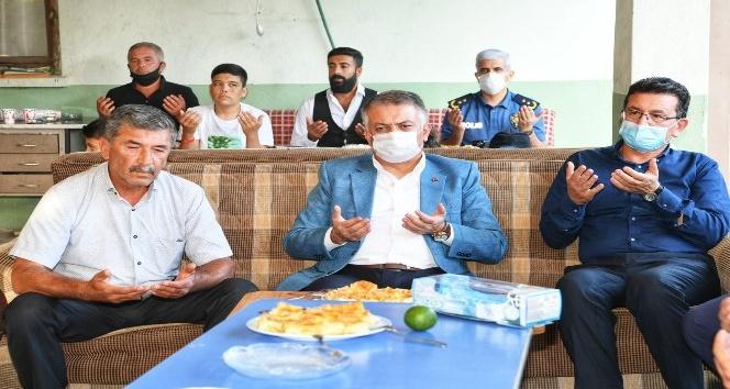 """Antalya Valisi Ersin Yazıcı : """"Allah'a şükür Antalya'daki hasta sayısı düşüşe geçti"""""""