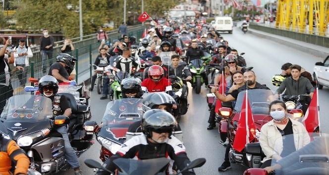 Antalya'da motosikletli kortejle Cumhuriyet kutlaması