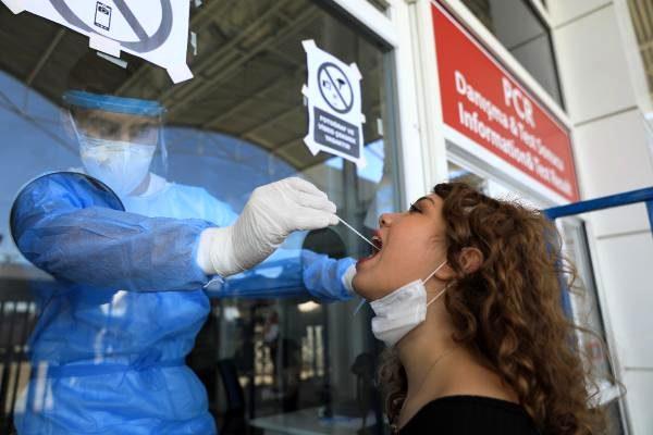 Antalya'da 3 ayda 150 bin yurt dışı yolcusuna koronavirüs testi yapıldı