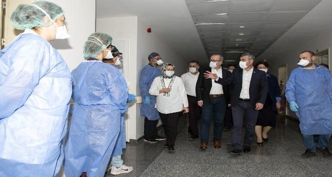 Kepez Devlet Hastanesinde PCR Laboratuvarı hizmete başladı.