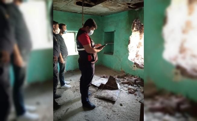 Büyükşehir'in teknik ekibi İzmirde 700 binayı inceledi