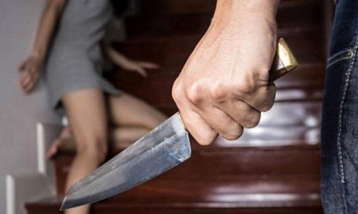 Boşandığı kadını, boğazını keserek öldürdü