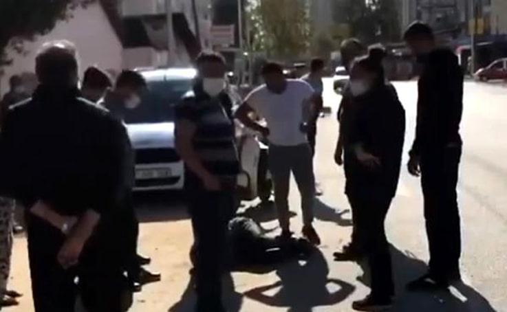 Hırsızı yere yatırıp polisi beklediler