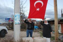 Türk bayrağı yenisiyle değiştirildi