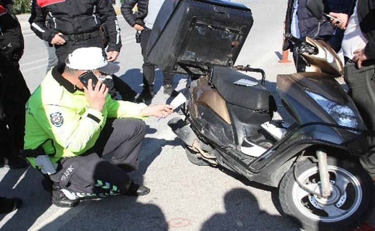 Kamyonete ait plakayla adliyeye geldi, yasak yere park edip polisi alarma geçirdi