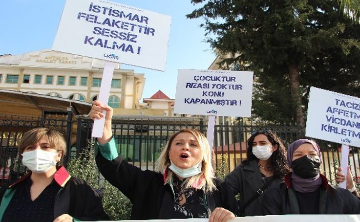 Cinsel istismardan 621 yıl ceza alan öğretmen, başka istismardan hakim karşısına çıktı