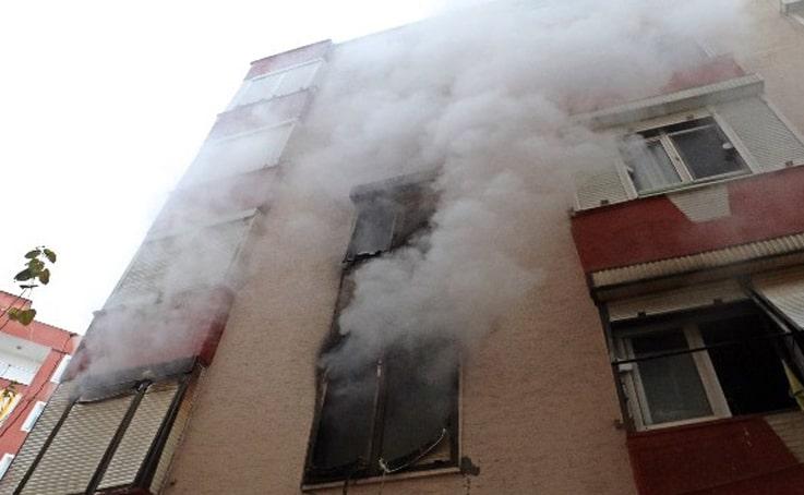 Evini ateşe veren madde bağımlısı genç, faciaya neden oluyordu