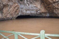 Sel suları dünyaca ünlü Altınbeşik Mağarasının girişini kapattı