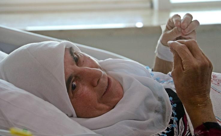 Kalbi ilaçla çalıştırıldı, öldü öldü dirildi, 74 yaşında Covid'i yendi doktorları bile şaşırttı