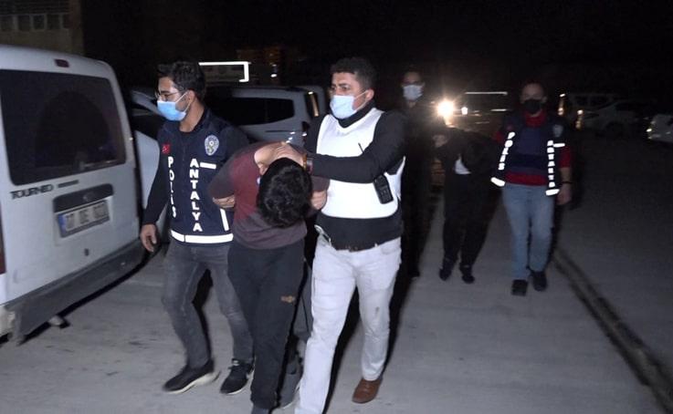 15 günde 4 farklı kapkaç olayına karışan 2 şüpheli tutuklandı