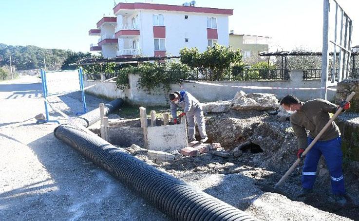 Kemer'de su baskınlarını önleme çalışmaları