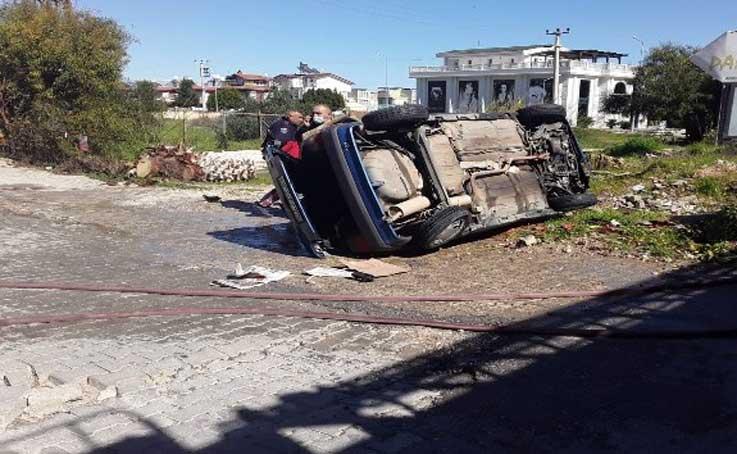 Antalya'da kaza yapan otomobil önce devrildi, sonra alev aldı