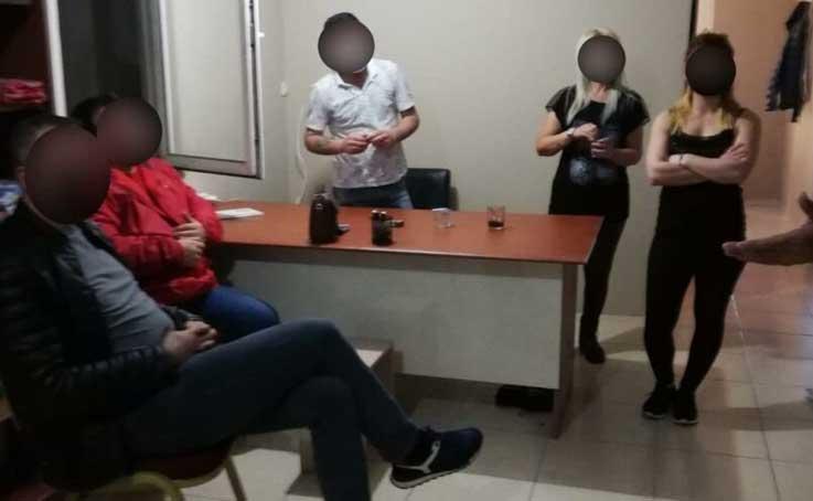 Antalya'da masaj salonuna baskın: 7 kişiye 22 bin 50 TL ceza