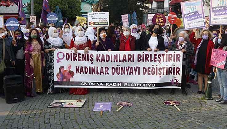 'Bir yılda 303 kadın öldürüldü, kimse bu rakamlara alışmasın'