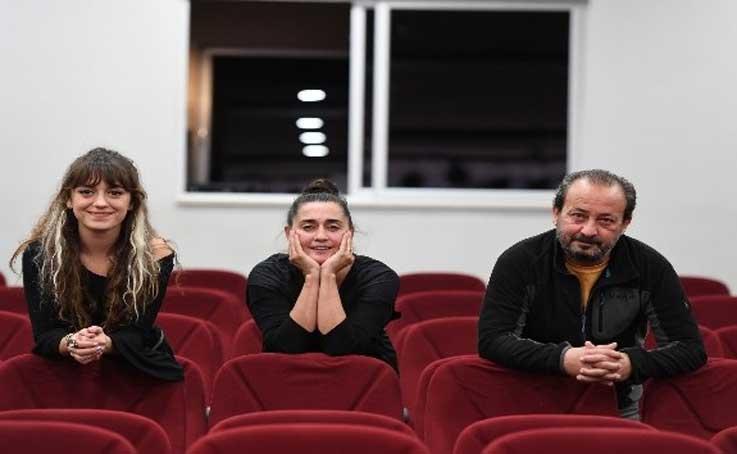 Konyaaltı Belediyesi'nden tiyatro kursu