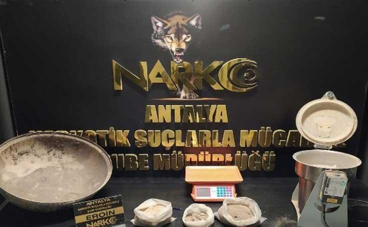 2 kilo 420 gram eroin ile yakalanan şüpheli tutuklandı