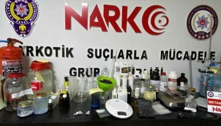 Alanya'da uyuşturucu imalathanesine çevrilen eve baskın: 3 gözaltı