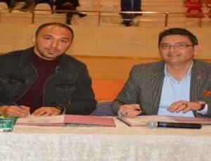 Başpehlivan Ali Gürbüz, Korkuteli Belediyesi'ne transfer oldu