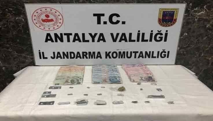Jandarmadan uyuşturucu baskını: 3 gözaltı