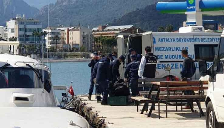 Kemer'de denizde erkek cesedi bulundu