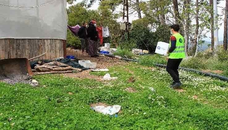 Karantina bölgesine gıda paketi yardımı