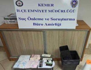 Kısıtlama saati uyuşturucu sattı, gece kartallarına yakalandı