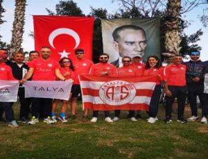 Antalyaspor Triatlon Takımı'ndan 3 altın, 2 bronz madalya