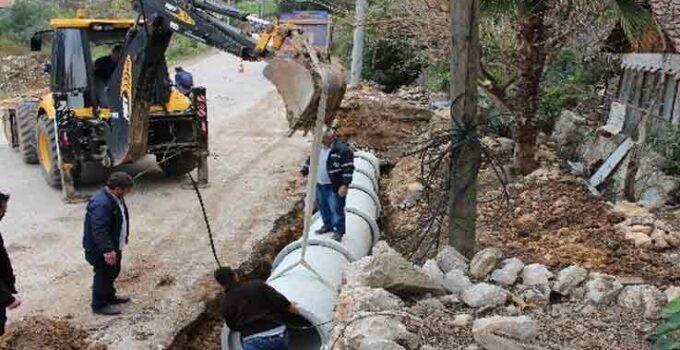 Kumluca Yazır'da hasarlı büzler yenilendi