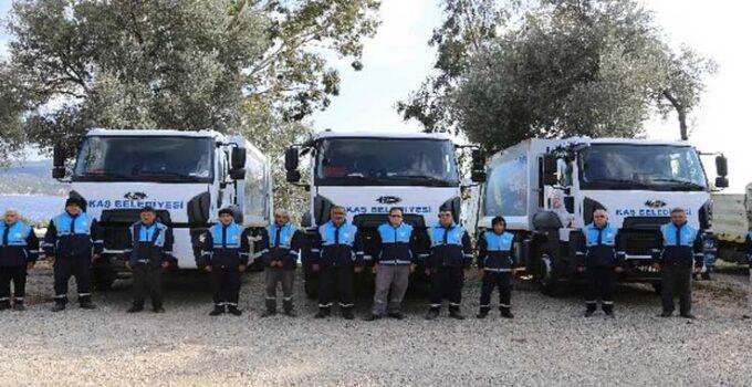 Kaş Belediyesi'nden saha personeline tek tip kıyafet uygulaması