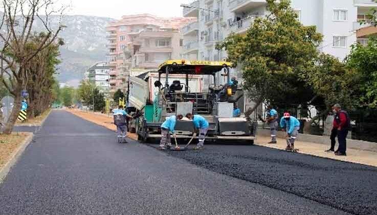 Başkan Yücel asfalt çalışmalarını yerinde inceledi