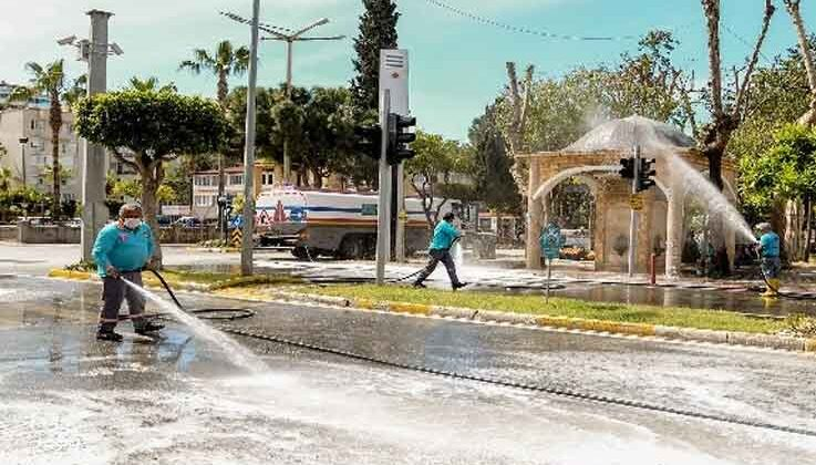 Alanya'da mahalleler dezenfekte yapılıyor