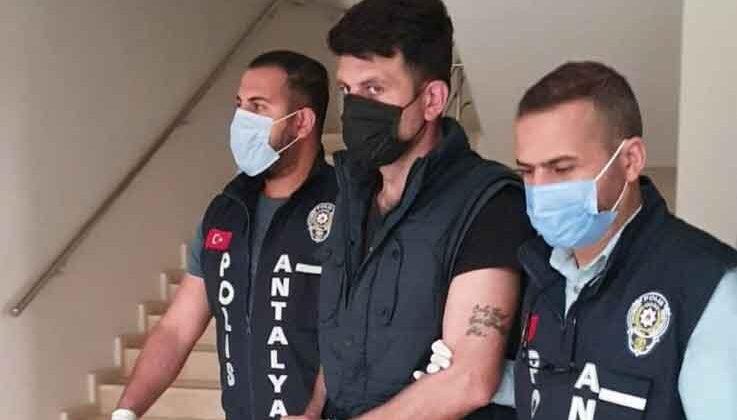 Antalya'da kanser ilaçları dolandırıcısı tutuklandı
