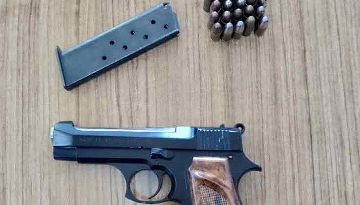 KAAN uygulamasıyla Antalya'da bir şahıs ruhsatsız silahla yakalandı