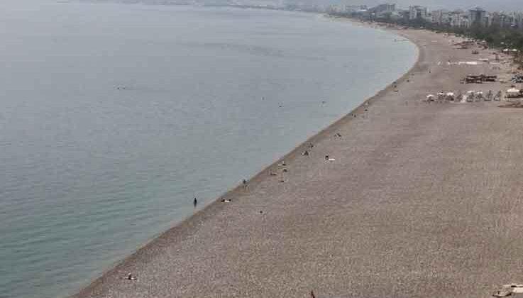 Dünyaca ünlü sahilde şaşırtan manzara