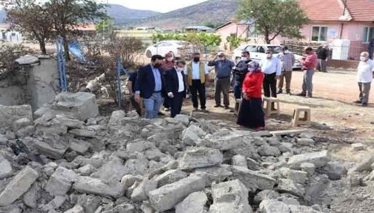 Kaymakam evi yanan vatandaşı ziyaret edip destek sözü verdi