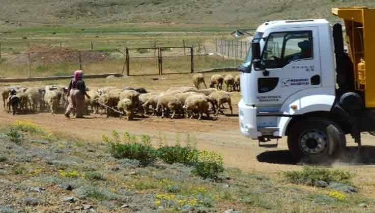 Manavgat'ta yayla yollarına bakım